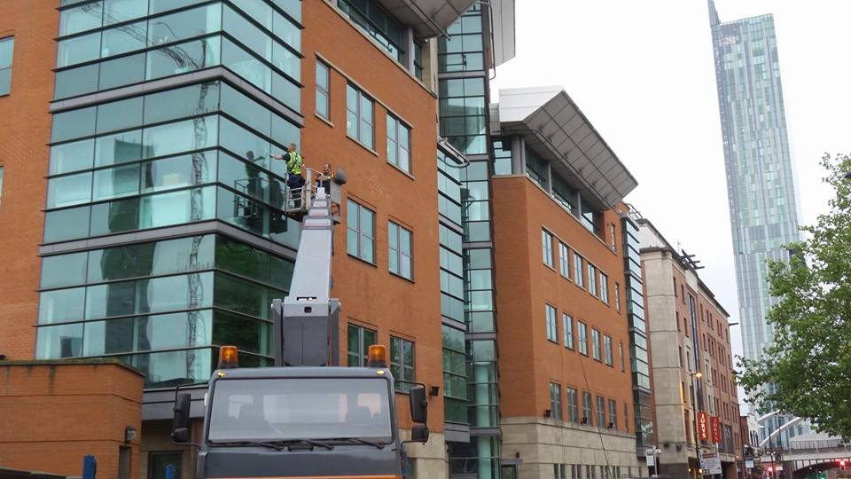window cleaning in manchester