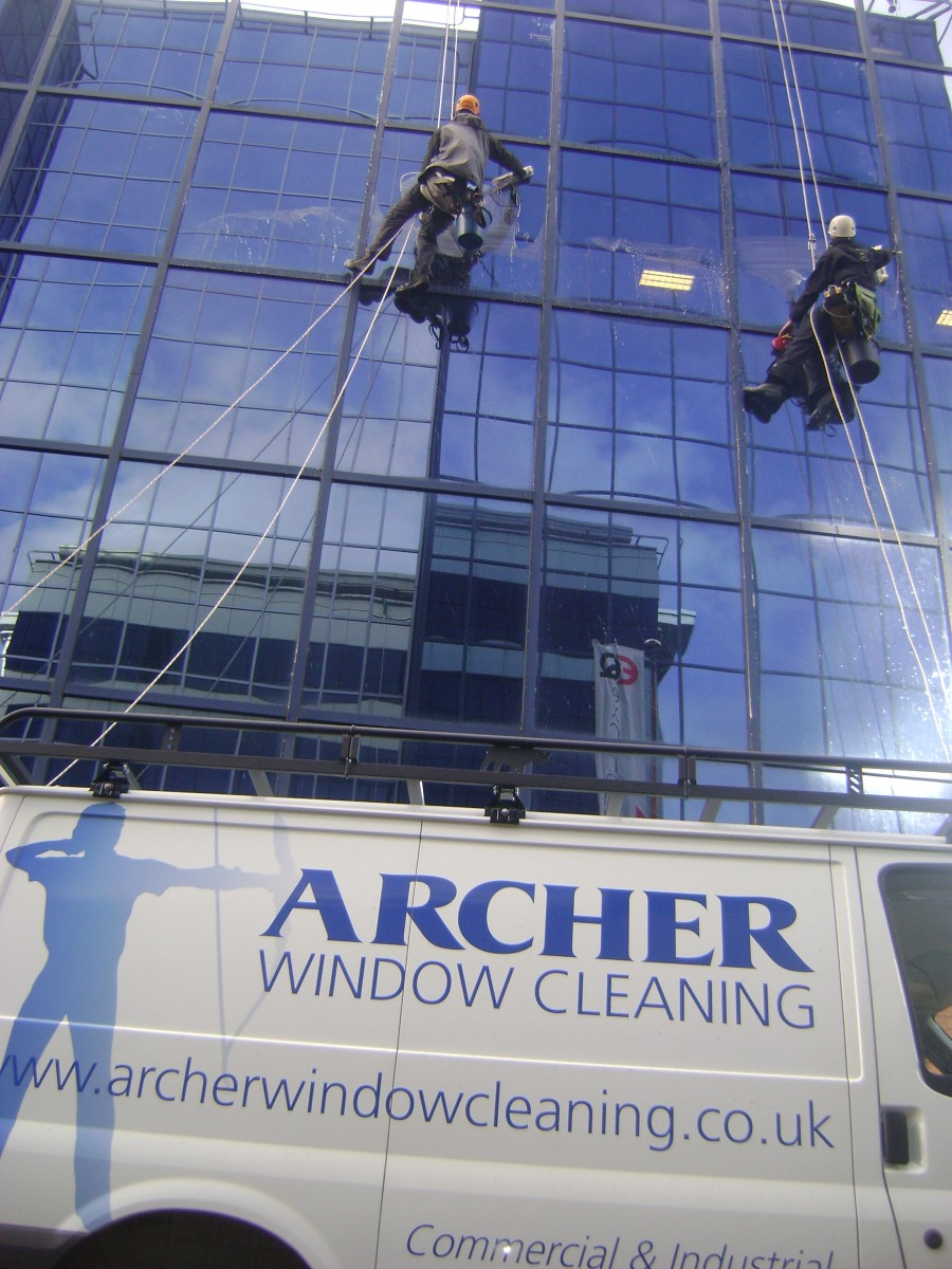 Window Cleaning Services : Abseiling and rope access window cleaning services in