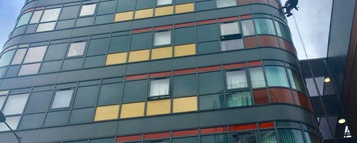 Abseiling Window Cleaning Services